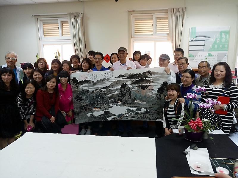 周英林山水畫師生聯展3月17日舉行開幕茶會