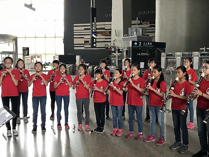 高鐵新竹站成為快閃表演團體的最愛