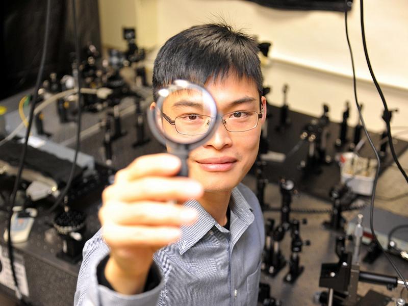 【科學新知】全球最薄透鏡比紙薄、可撕貼