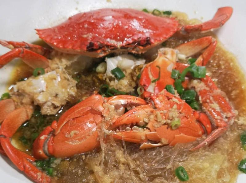 秋蟹肥美品嘗正逢時台中活海鮮餐廳要讓您一年四季都吃的到螃蟹...